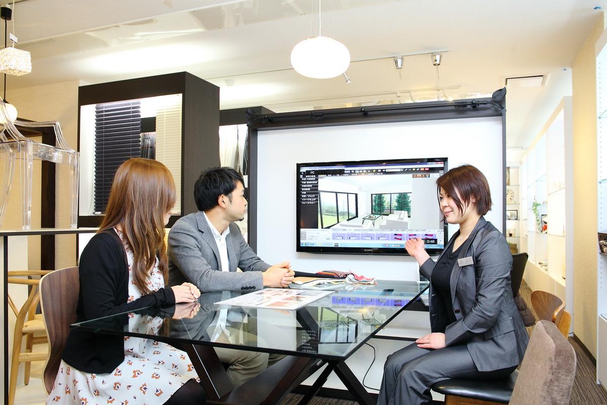 ショールームの打合せコーナーに設置された大画面3Dテレビ