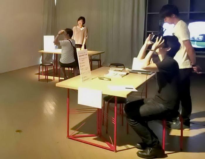ワークショップ風景 右手前がOculusVR、左奥がハコスコの展示